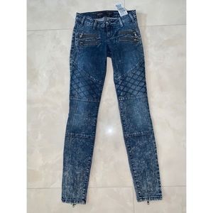 Guess dark wash skinny jeans size 23/00